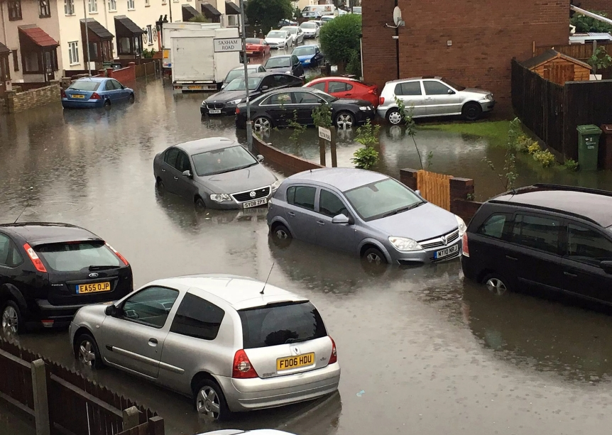 EcoGrid Flash Flooding Blog - UK Cars in Flood