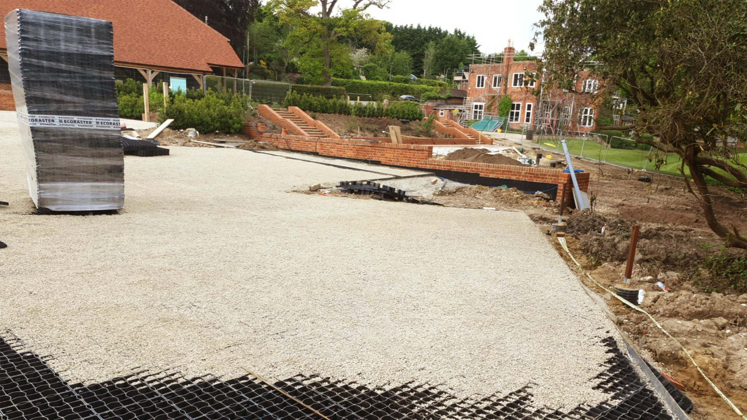 Fill In EcoGrid E40 With Gravel